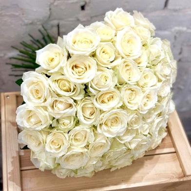 Букет из белых роз сорт Аваланш